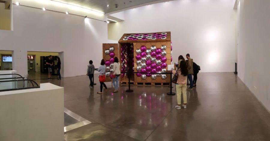 REme siendo visitada por el público en el Museo de Diseño de Barcelona